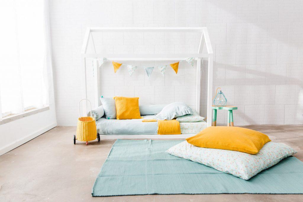 cama casita montessori blanca